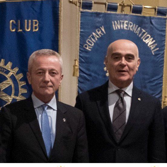 Rotary Parma e Rotary Parma Farnese donano oltre mille mascherine ai medici del territorio