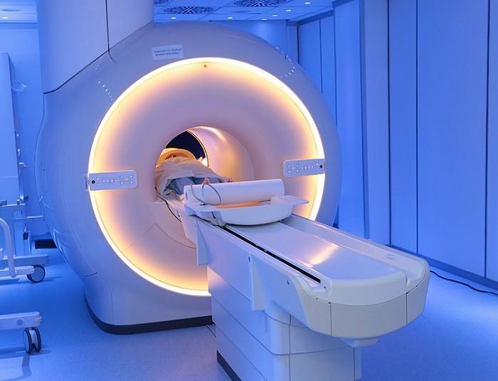 Standard sicurezza risonanza magnetica per uso clinico, decreto in Gazzetta Ufficiale