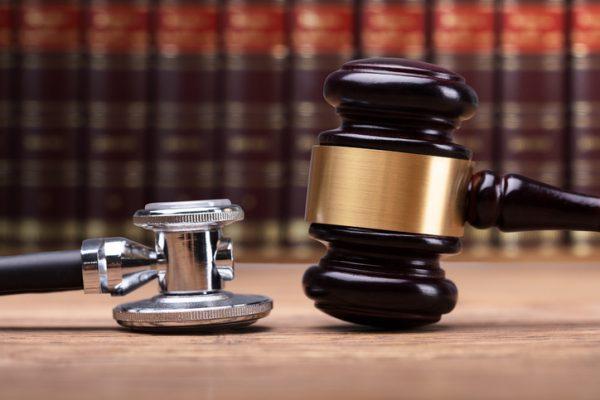 """L'Ordine degli Avvocati sta con i Medici: """"Stigmatizziamo tutte quelle iniziative promosse dai legali in palese violazione dei canoni deontologici"""""""